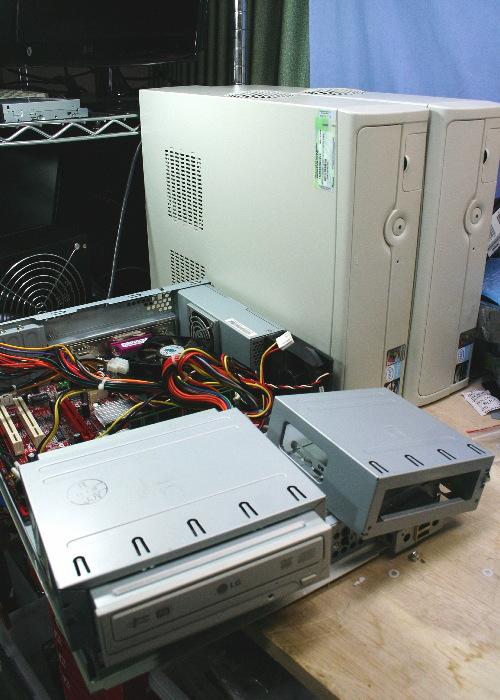 修理中の他社PC